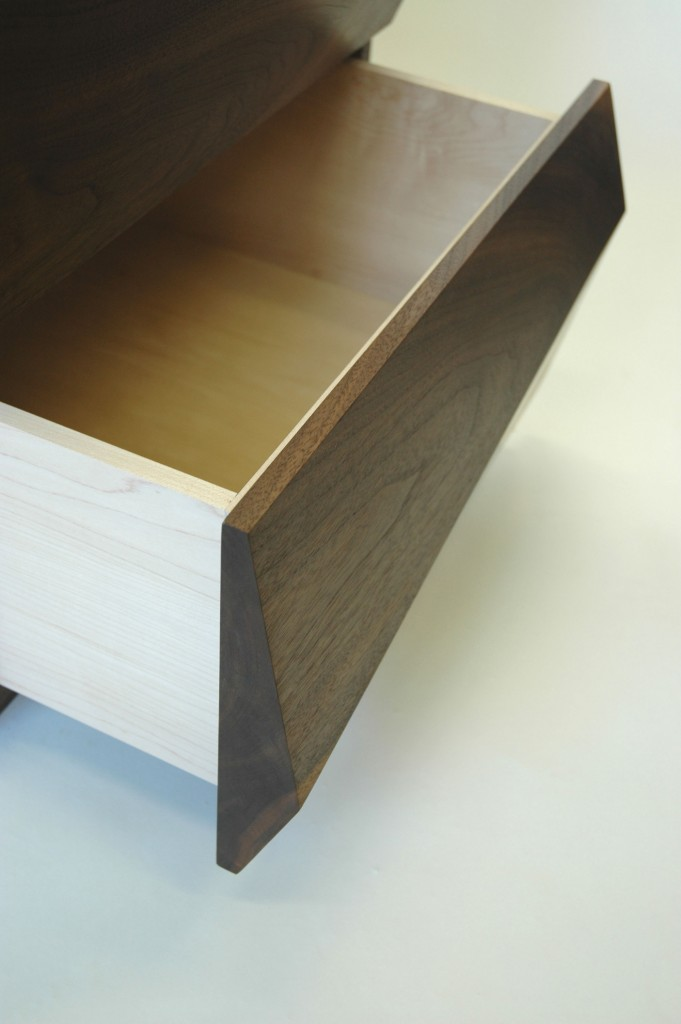 Chest of drawers - Perspective view of drawer