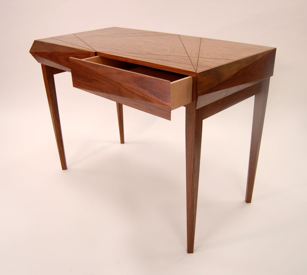 Luxury writing desk - Alternative view with open drawer