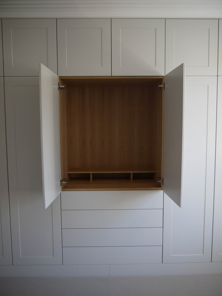 Wardrobe 2 - Television section view