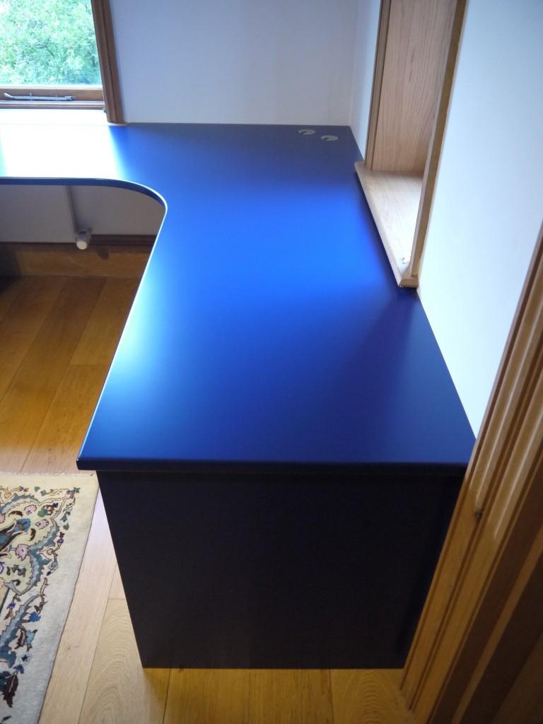 L-shaped desk - end view