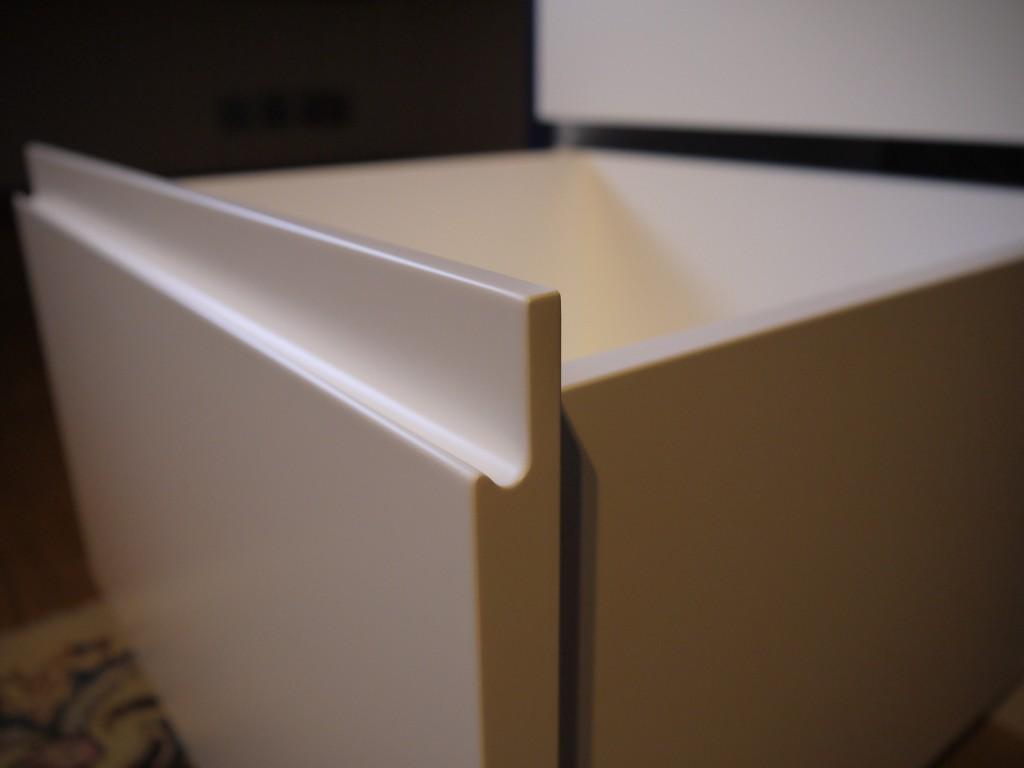 L-shaped desk - drawer detail
